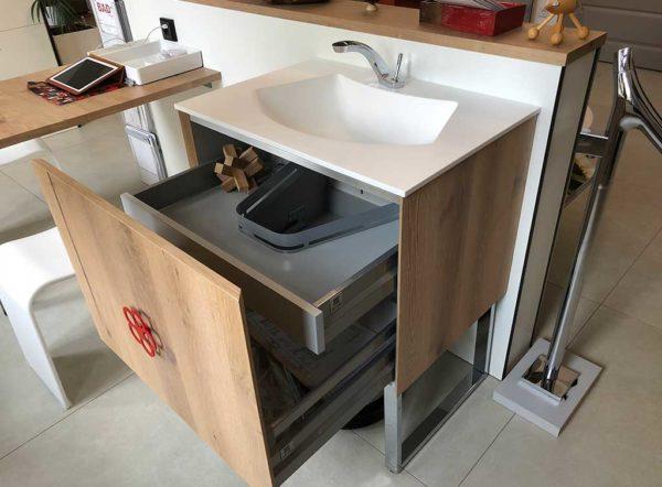 Waschplatz mit Stauraum